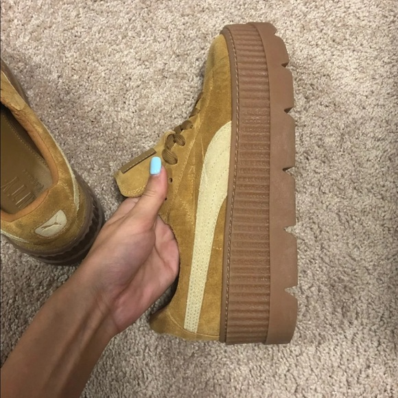 best sneakers dffc9 8a0e7 FENTY Suede Cleated Creeper Women 9.5